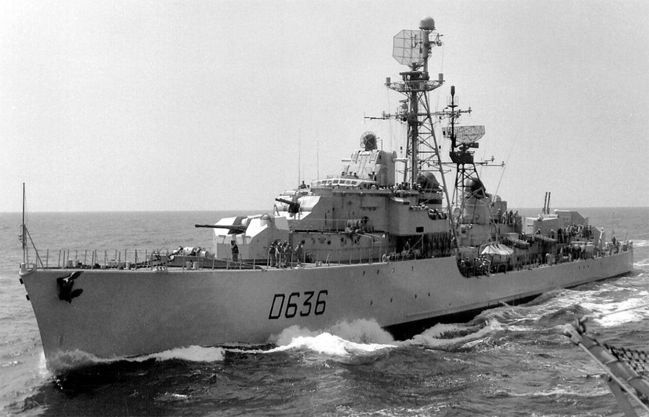 Imagem do navio de guerra francês Tartu