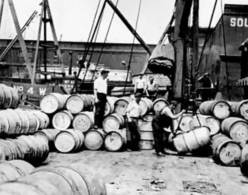 Imagem de estivadores no porto