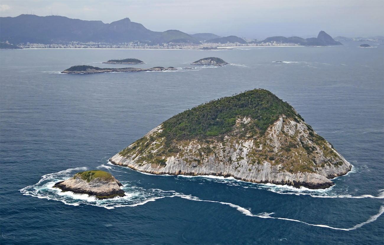 Imagem das Ilhas Cagarras e o Rio de Janeiro