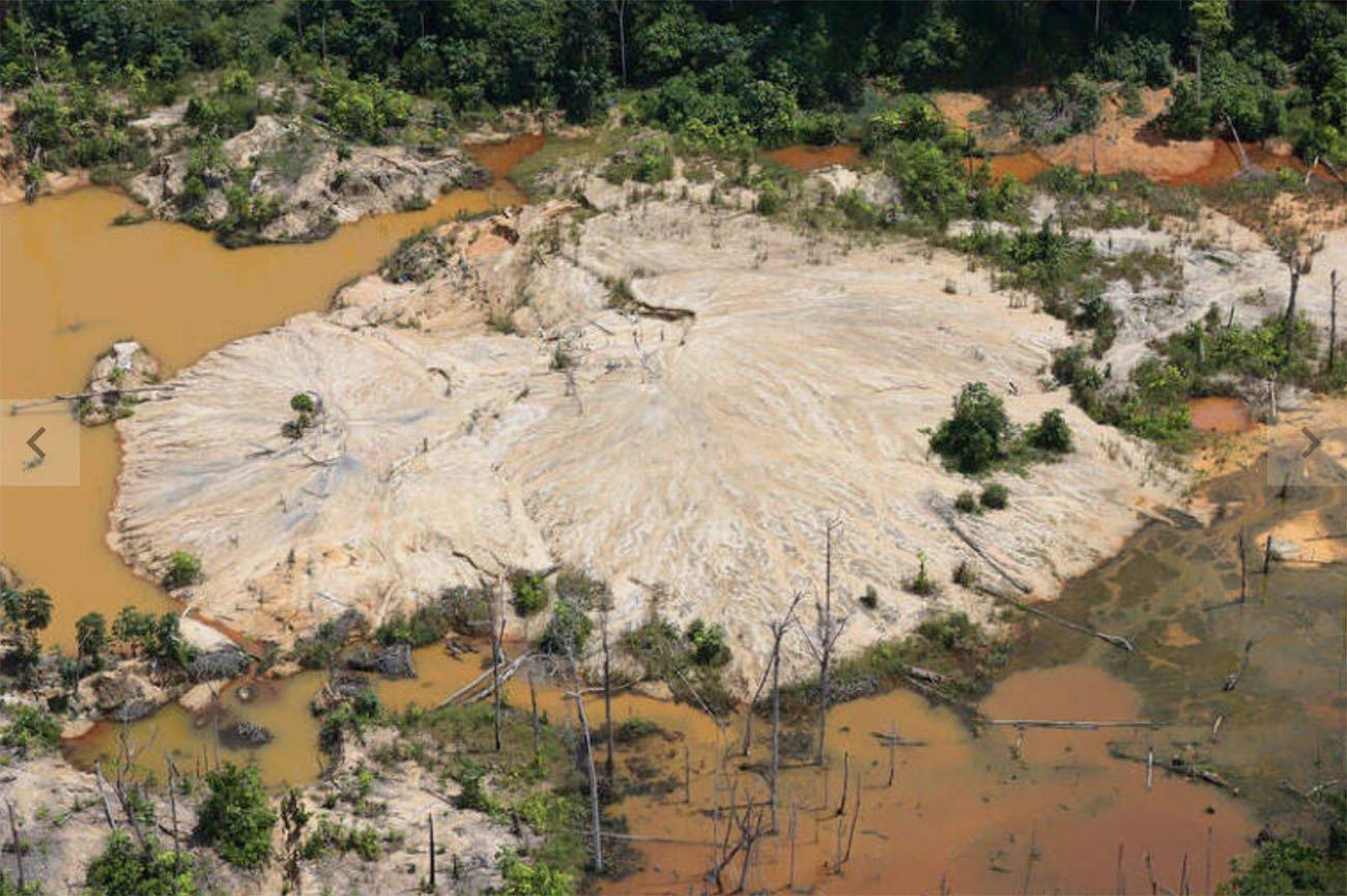 imagem de garimpo ilegal na Terra Yanomami