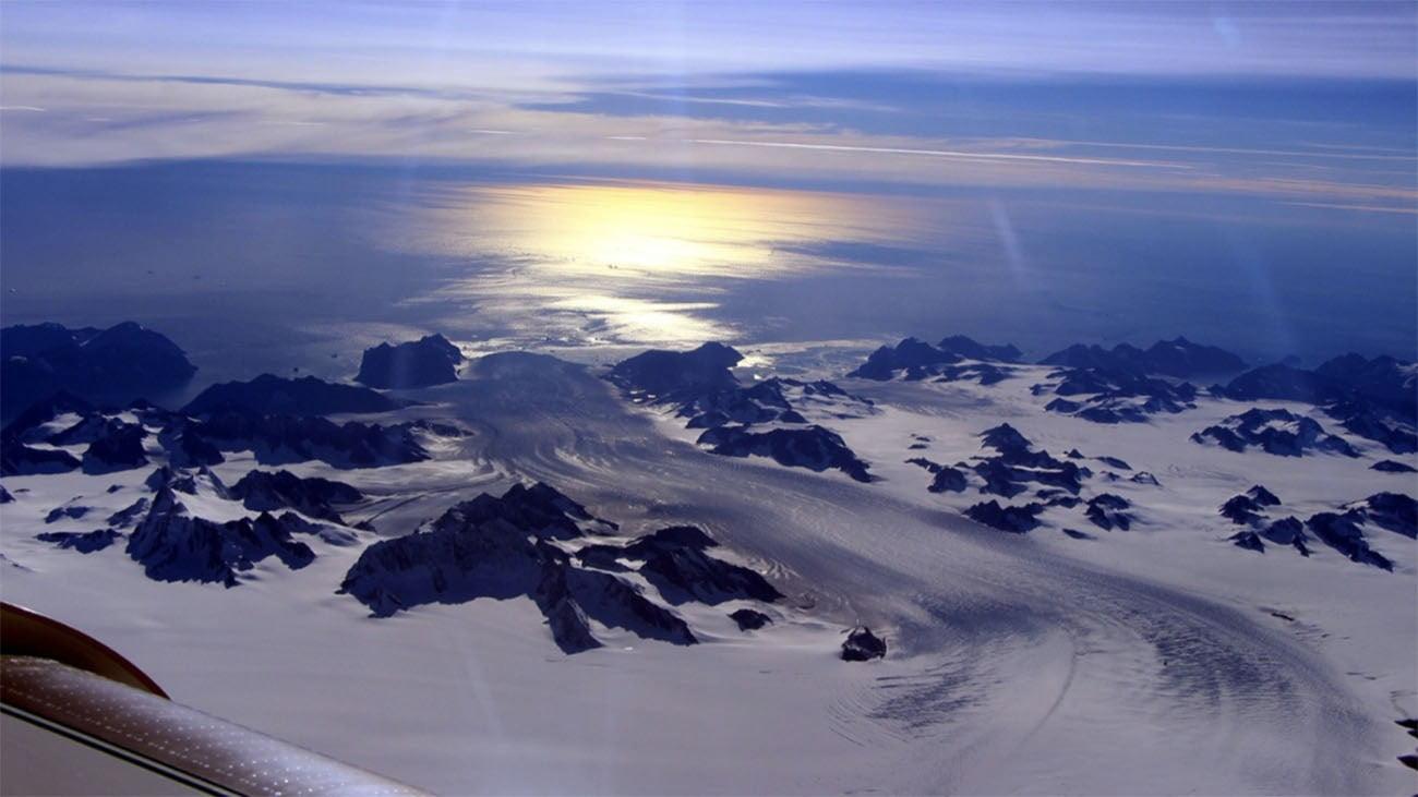 Imagem de geleira derretendo