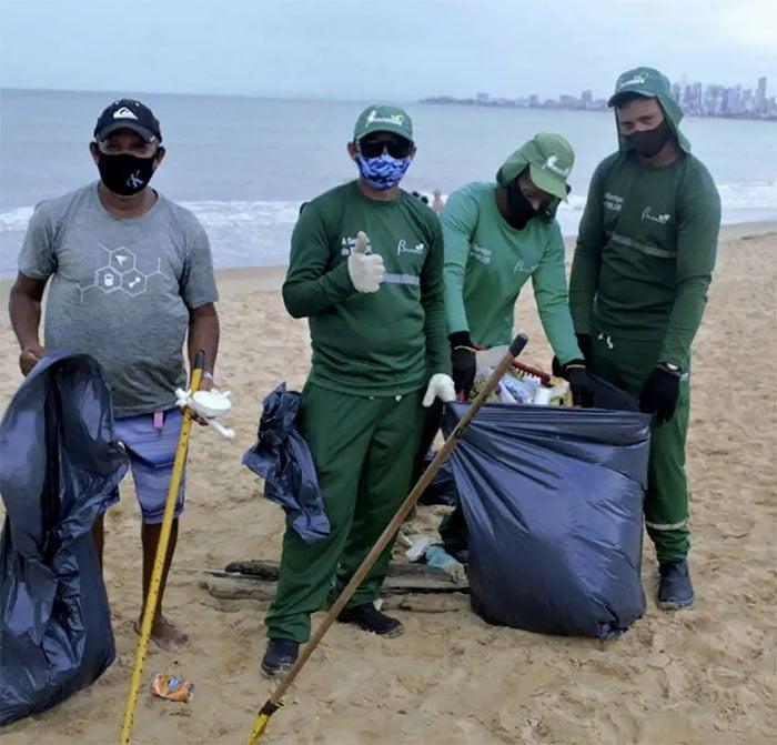 Imagem de limpeza de praia