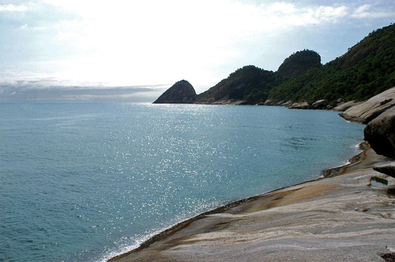 Imagem da ilha de Alcatrazes