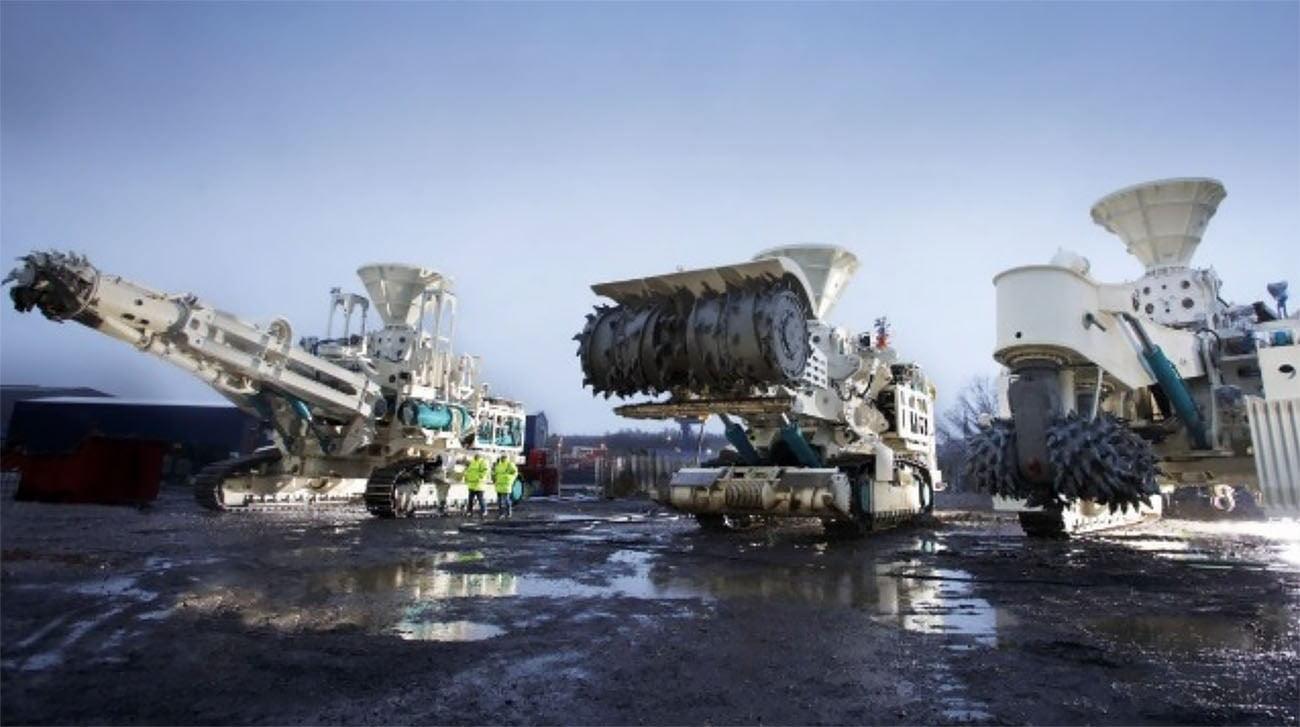 Imagem de máquinas para mineração submarina