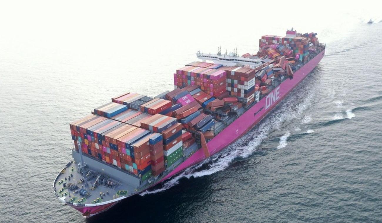 imagem do navio porta contêineres One Apus