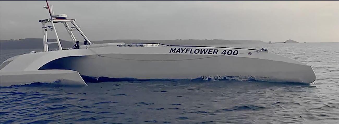 Imagem do barco autônomo navegando