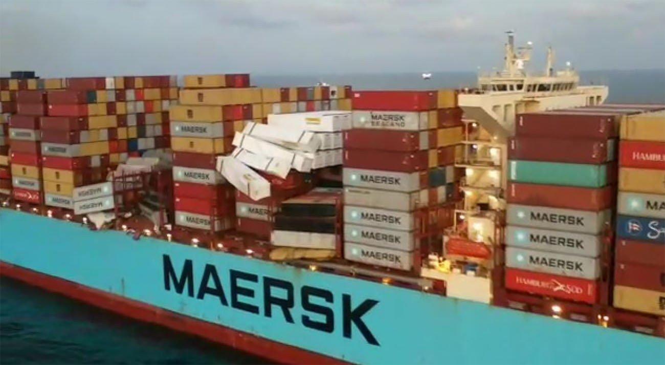 Imagem do navio Maersk Essen que perdeu 750 contêineres no mar