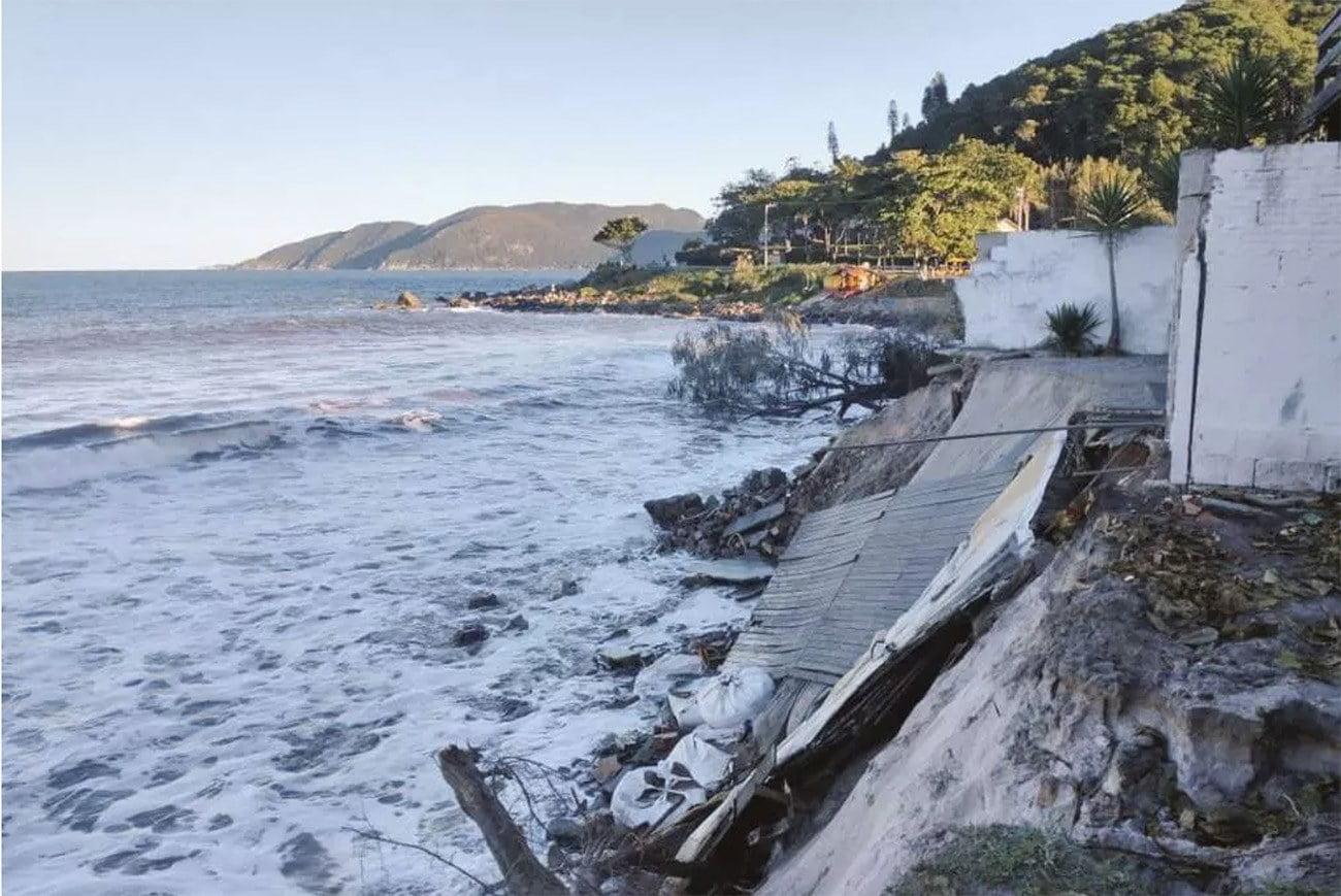 Imagem e erosão no litoral Sul de Florianópolis