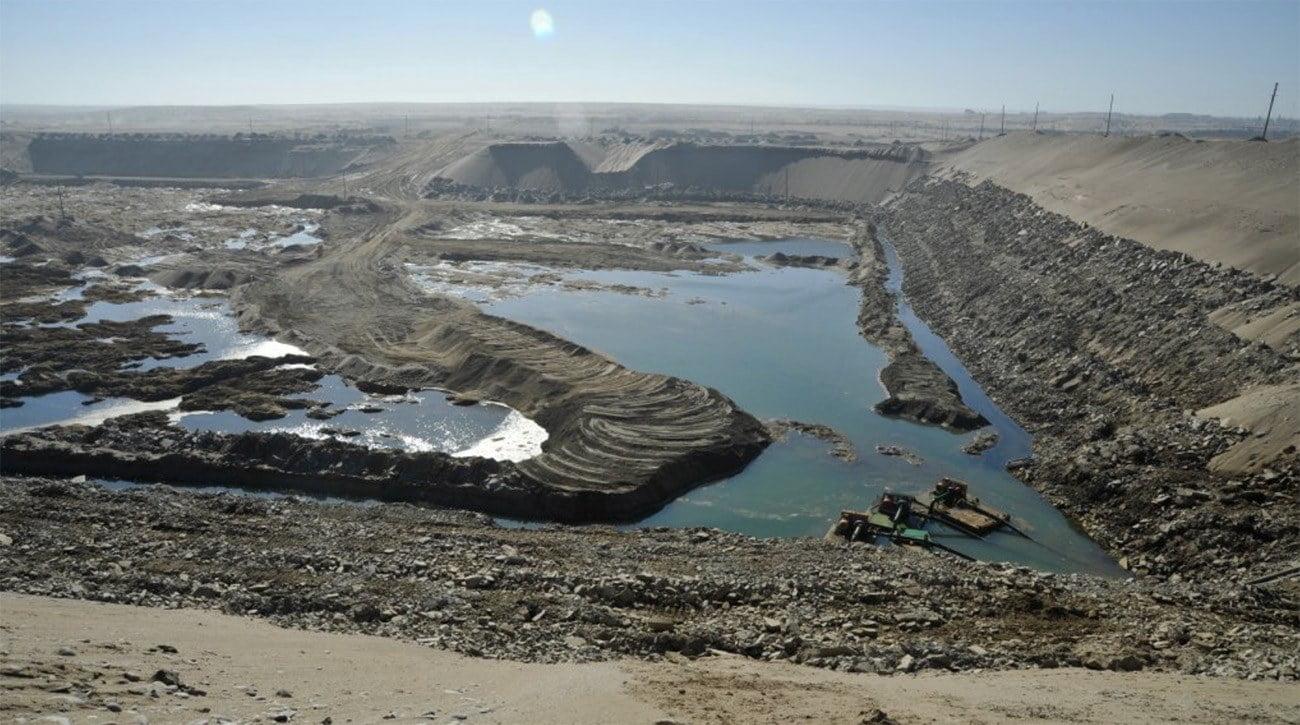Imagem de mineração em praia