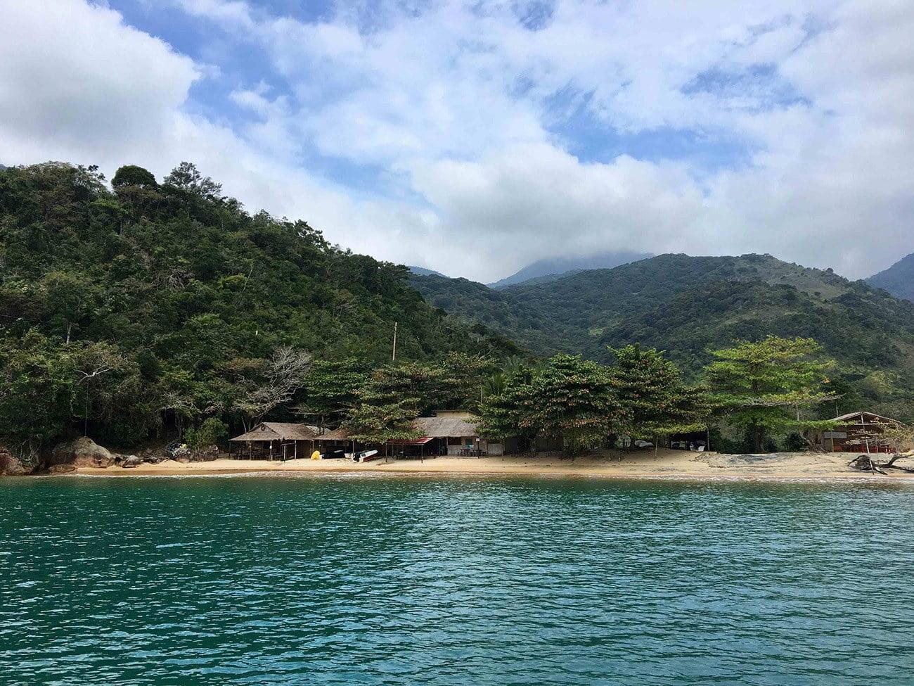 Imagem da Praia Grande da Cajaíba