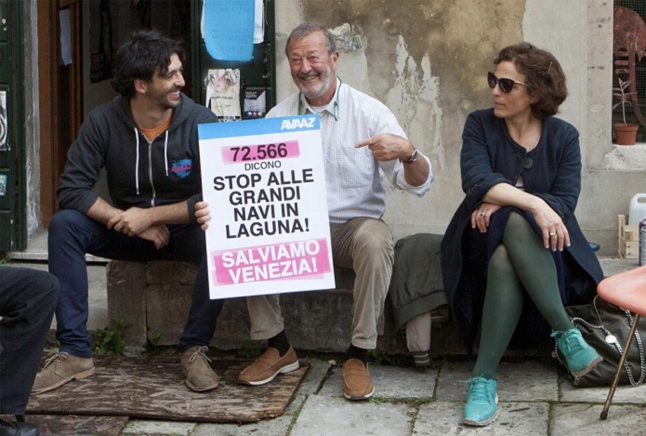 Imagem de protesto contra navio de passageiros em Veneza