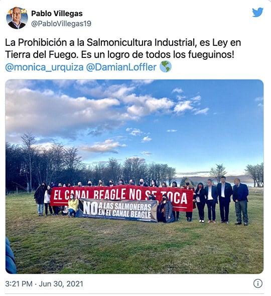 Imagem de protestos contra criação de salmão na Argentina