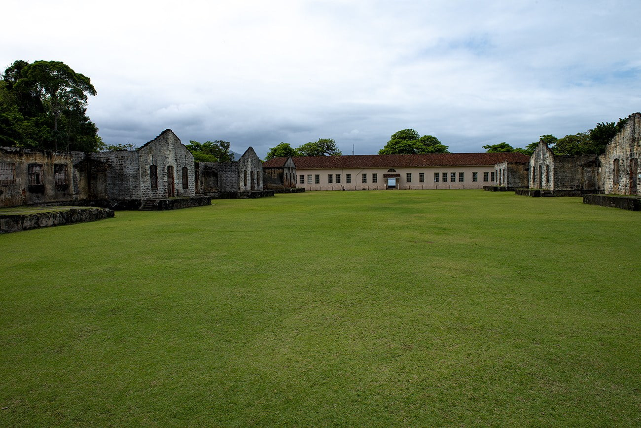 imagem do presídio da Ilha Anchieta