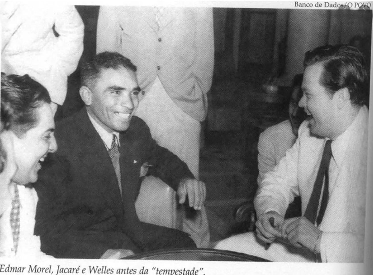 Imagem do jangadeiro Jacaré com Orson Welles.